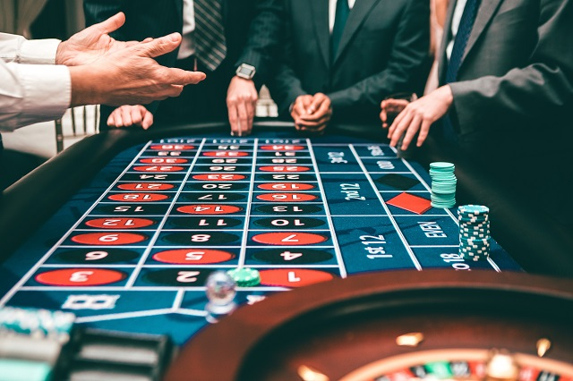 6 Reasons to Play At Online Casino Games
